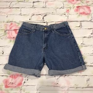 Hi Waisted Vintage Jean Shorts Size 34 by Wrangler